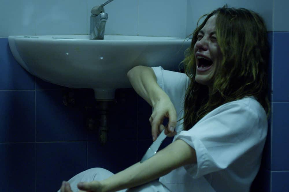 Melania Dalla Costa in Stato Di Ebbrezza - scena tentato suicidio