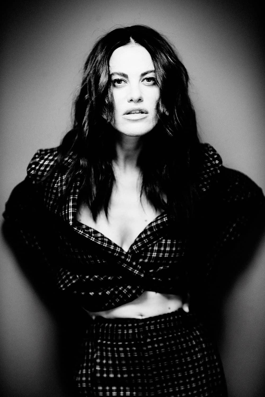 Melania Dalla Costa fotografata da Giovanni Gastel